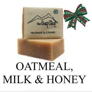 Oatmeal Milk Honey exfoliant vegan soap